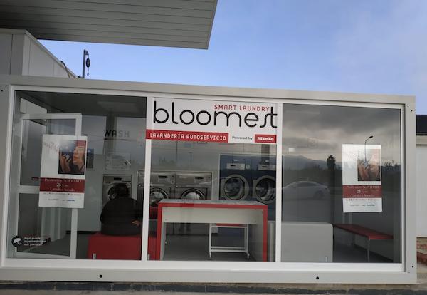 Lavandería autoservicio Bloomest en gasolinera Beniaján - CLAT Lavanderías